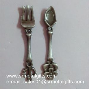 China Antique Pewter Memorabilia Spoons, Relief Designed Vintage Souvenir Spoons wholesale