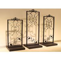 Quality Carving Design Clothing Shop Display Furniture With Excellent Spraying Surface for sale