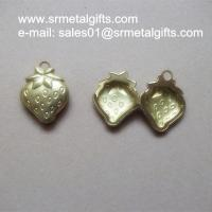 China Solid Brass Strawberry Photo Locket Pendant, Copper box locket charm wholesale