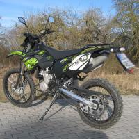 China Shineray 250 cc Supermoto of dirt bike with 12kw power and 80km/h max speed wholesale