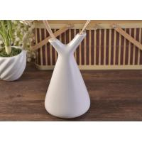Buy cheap White Empty Diffuser Bottles , Ceramic Essential Oil Diffuser With Rose & Sticks product