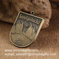 China Vintage brass metal engraved medals, tailored antique brass metal medallions wholesale