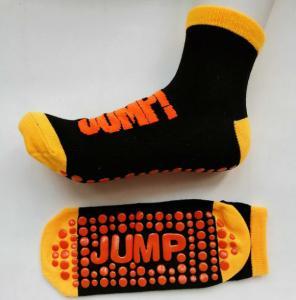 China Moisture Absorbing Non Slip Socks UK Sports Jump Non Slip Trampoline Socks on sale