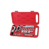 Buy cheap 45 Degree Flaring Tool Kit Swaging and Flaring Tool product