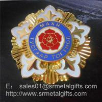Deluxe gold plated enamel paint pin badge, graded enamel lapel pin with butterfly clutch,