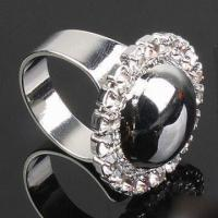 Buy cheap Fashionable Ring in Popular Design with Alloy Chain, Customized Designs and Logos are Accepted product