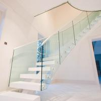 Buy cheap Fabricate Wood Straight Staircase / Internal Fashionable L Shape Stairs Design product