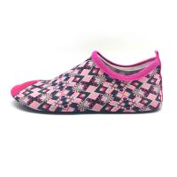China Flexible Red Aqua Foot Water Shoes Outside Pool And Beach Shoes Cozy Feel for sale