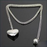 Buy cheap Fashionable Necklace with Zinc Alloy Pendant and Chain, Lead- and Nickel-free product