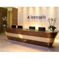 China Special design Hotel reception desk Lobby counters by walnut wood furniture with Glass shelves and wall panel fixture on sale