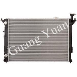 Quality Hyundai Santa Fe Car Oil Radiator With Fan Easy Installation Engine Cooling for sale