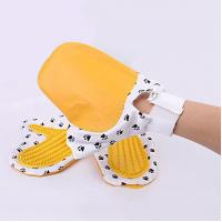 China Rubber pet cleaning gloves for massage Item No.: PCOB-1035 wholesale