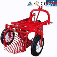 China Farm Machinery Small Tractor Single Row Potato Harvester on sale