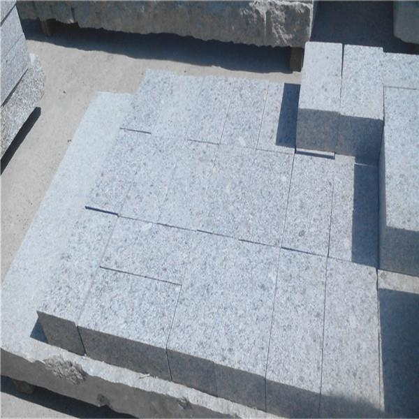 China Wholesale Grey Granite Pave Stone for Car Stop Granite Paver Bricks Porphyry Stone