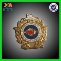 2015 delicate design gold metal badge