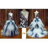 China Sexy special shouldertulle embroidered and beaded wedding gown on sale